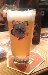 Muerte Súbita. Cerveza a frutada.
