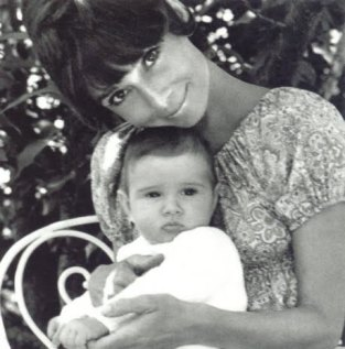 audrey-and-luca-audrey-hepburn-7431239-458-4651