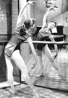 Audrey-en-clases-de-ballet