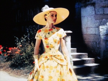 funny-face-1956-006-audrey-hepburn-in-yellow-dress-1000x750 (1)